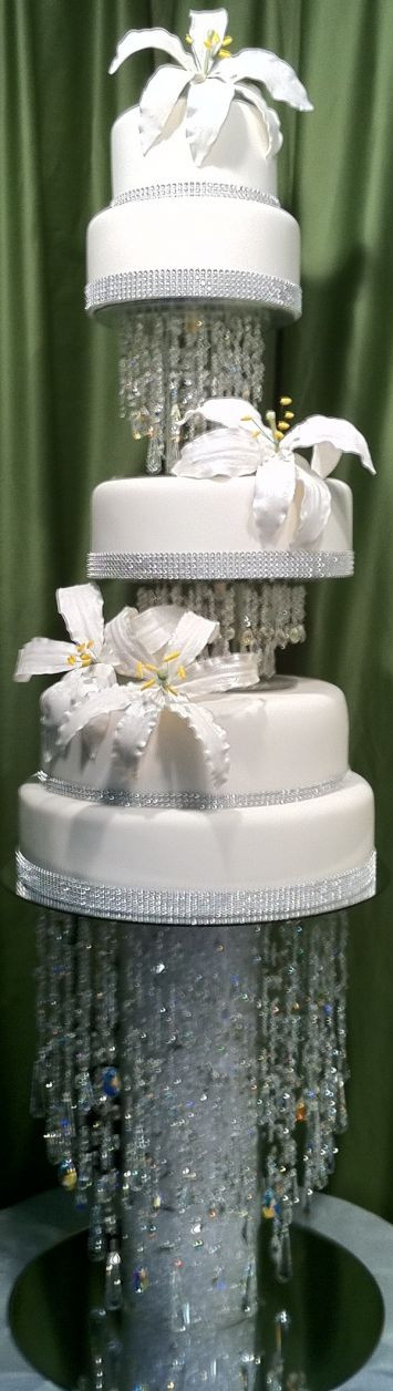Waterfall Wedding Cakes  Best 25 Waterfall cake ideas on Pinterest
