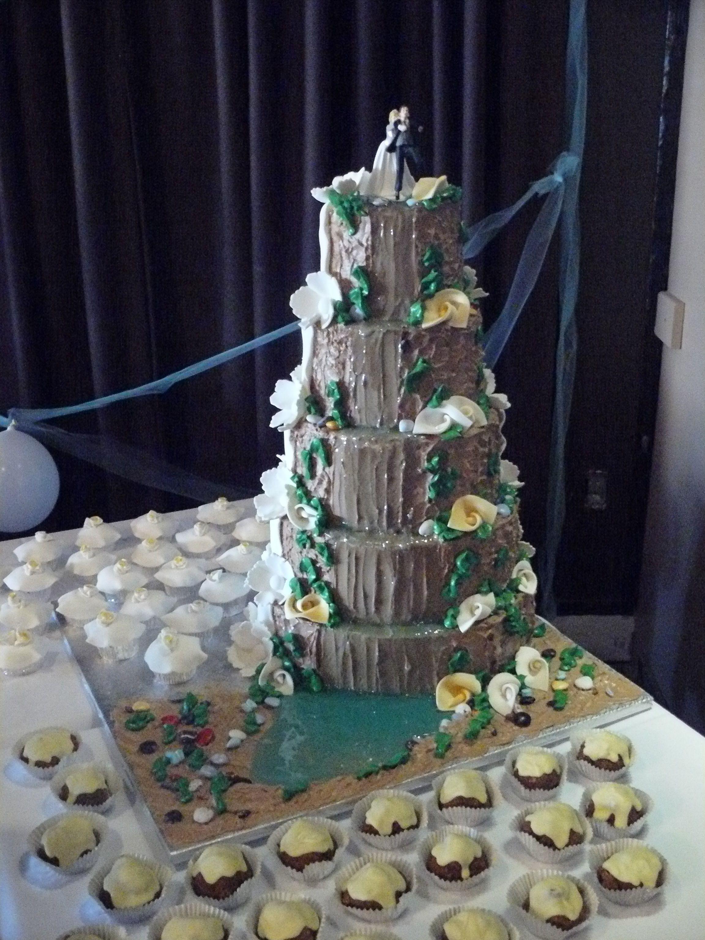 Waterfall Wedding Cakes  1 2 & 1 2 waterfall cake wedding