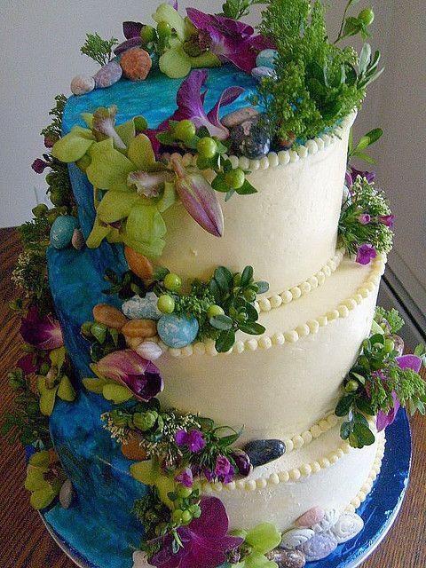 Waterfalls Wedding Cakes  Best 25 Waterfall cake ideas on Pinterest