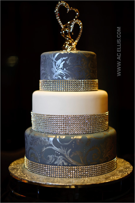 Wedding Cakes Sioux Falls  Wedding Cake Sioux Falls Wedding grapher