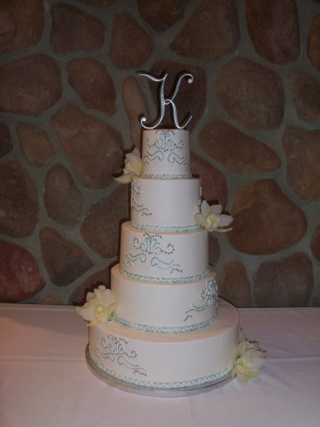 Wedding Cakes Sioux Falls  QT Cakes Wedding Cake South Dakota Sioux Falls Rapid
