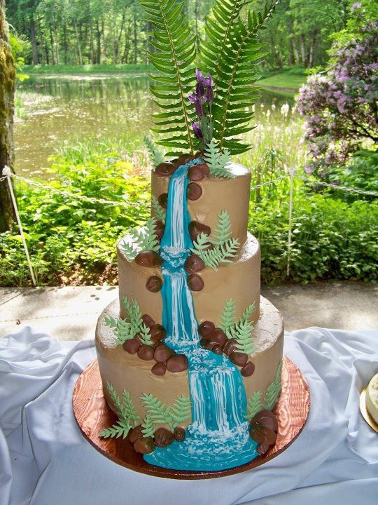 Wedding Cakes With Waterfalls  Waterfall wedding cake with ferns